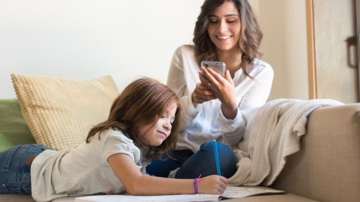 Du kan kommunisere med skolen via mobilen