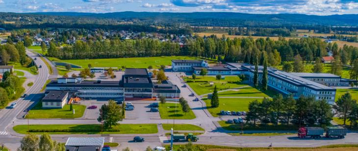 Grue rådhus og Grue barne- og ungdomsskole