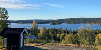 Vestgarden: Hyttetomt på Finnskogen. Utsikt til Rotbergsjøen