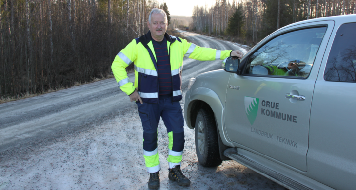 Ivar Hoff er driftsansvarlig på kommunale veier