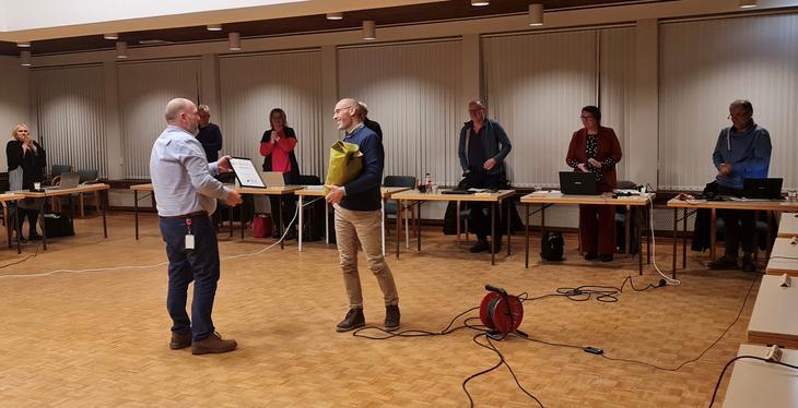 Knut Henriksen mottok Åpenhetspris fra Kommunestyret